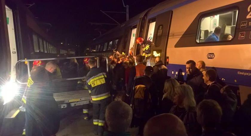 Bezpieczeństwo, Zderzenie autokaru Pendolino Najnowsze informacje zdjęcia straży - zdjęcie, fotografia