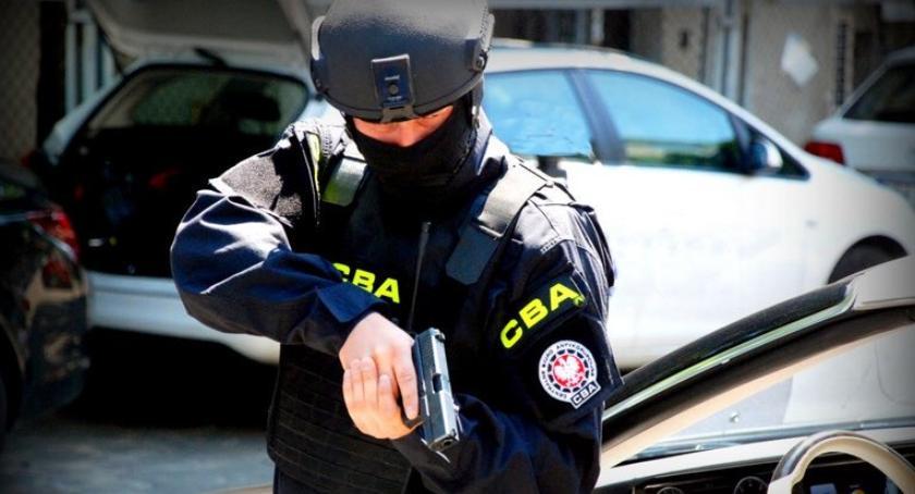 Bezpieczeństwo, Akcja klubie Nowym Świecie Zatrzymani biznesmeni policjant - zdjęcie, fotografia