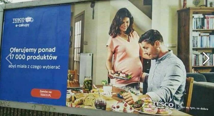 Handel i usługi, Tesco przeprasza nieodpowiednią reklamę - zdjęcie, fotografia