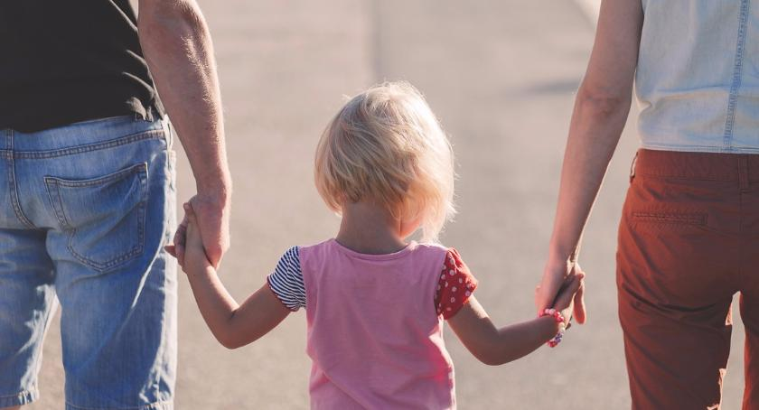 Opieka społeczna, Ponad miliony kluby rodzin - zdjęcie, fotografia