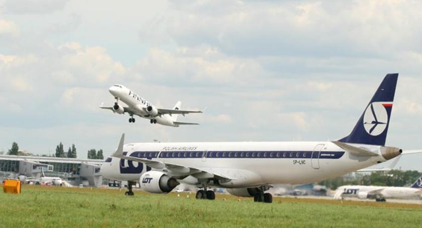 NEWS, Lotnisko Chopina odwołana część lotów skutki wczorajszego awaryjnego lądowania - zdjęcie, fotografia