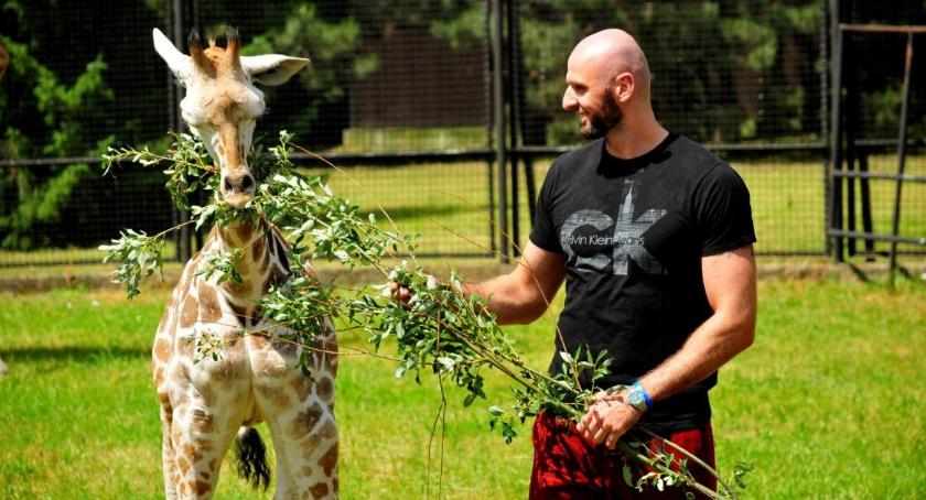 Marcin Gortat odwiedził swojego chrześniaka w zoo [zdjęcia]