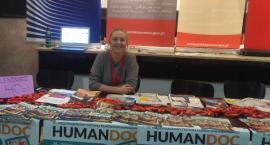Julia - wolontariuszka na festiwalu Humandoc