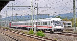 Nowe rozkłady pociągów, w tym SKM